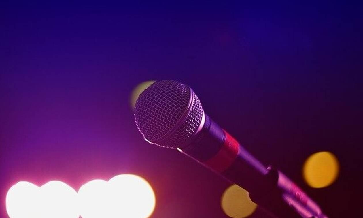 Κορονοϊός: Πέθανε διάσημος τραγουδιστής από τον φονικό ιό