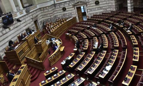 Κορονοϊός – ΣΥΡΙΖΑ: Υποχρεωτική και όχι προαιρετική μείωση των βουλευτικών αποζημιώσεων