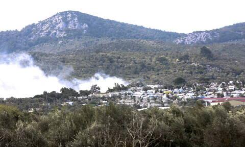 Μυτιλήνη: Πυρκαγιά κατέστρεψε εγκαταστάσεις ΜΚΟ έξω από τον καταυλισμό της Μόριας