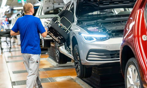 Πόσεις θέσεις εργασίας θα χαθούν στη γερμανική αυτοκινητοβιομηχανία λόγω του κορονοϊού;