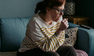 Κορονοϊός: τι μπορεί να καθορίσει αν θα υποφέρεις από βαριά ή ήπια συμπτώματα