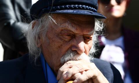 Μανώλης Γλέζος: Δημοσία δαπάνη και σε στενό οικογενειακό κύκλο η κηδεία του