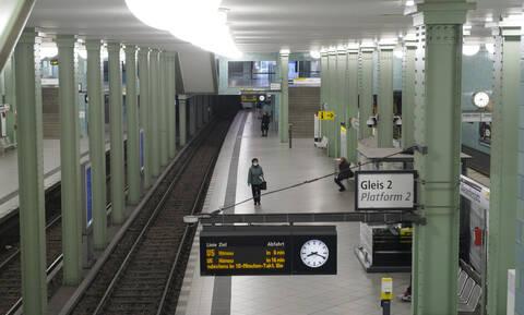 Κορονοϊός - Γερμανία: «Έκρηξη» στον αριθμό των νεκρών - Διπλάσιοι οι νέοι θάνατοι μέσα σε μία ημέρα