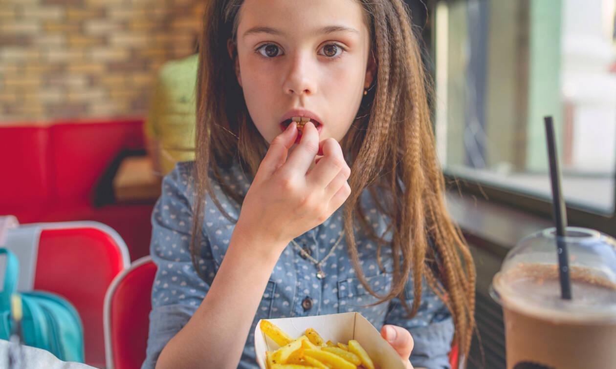 «Μαμά, πεινάω» - Προτάσεις συνταγών για παιδιά που πεινάνε όλη την ώρα (vids)