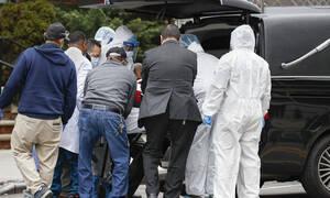 Κορονοϊός: Τραγωδία - Έχασε και τους δύο γονείς της μέσα σε 12 ώρες