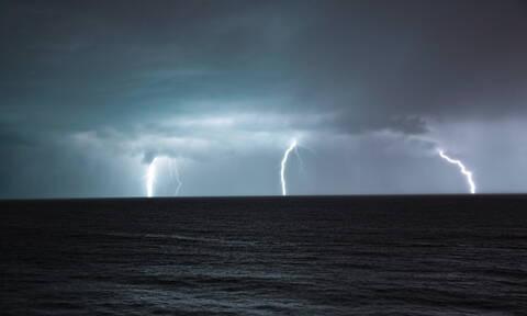 Έκτακτο δελτίο ΕΜΥ: Πρωταπριλιά με βροχές, καταιγίδες και χιόνια - Πού θα είναι έντονα τα φαινόμενα
