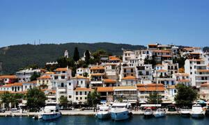 Κορονοϊός: Συναγερμός στην Σκιάθο - Ύποπτο κρούσμα μεταφέρθηκε με θαλάσσιο ταξί