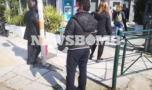 Κορονοϊός: Ουρές και σήμερα στις τράπεζες παρά τις προειδοποιήσεις
