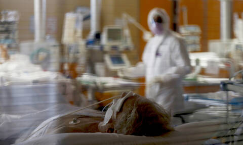 Κορονοϊός - Βέλγιο: 90χρονη αρνήθηκε αναπνευστήρα για να «σωθούν οι νεότεροι»