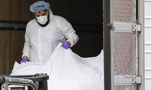 Κορονοϊός: Αυτή είναι η μοδίστρα που έραψε 600 χειρουργικές μάσκες χωρίς αμοιβή στα Γρεβενά
