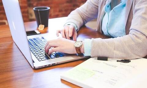 Κορονοϊός - Τηλεργασία: Όλα όσα πρέπει να ξέρετε εάν δουλεύετε από το σπίτι