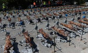 Κορονοϊός: Πάσχα… αλλιώς φέτος – Πώς η κυβέρνηση θα περιορίσει σούβλες και οικογενειακά τραπέζια