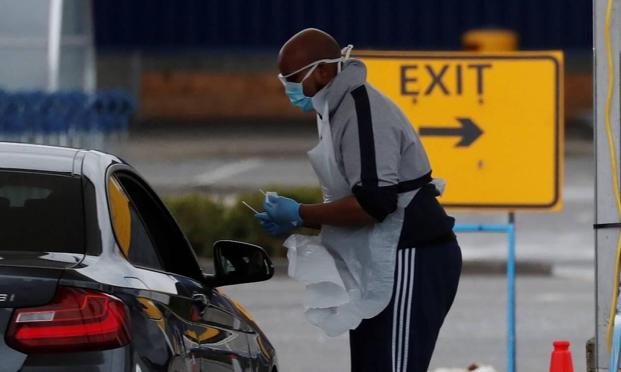 «Καλπάζει» ο κορονοϊός στη Βρετανία: 563 νεκροί σε ένα 24ωρο - Πάνω από 4.300 νέα κρούσματα