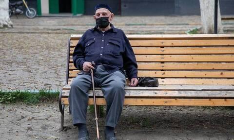 ВЦИОМ: две трети россиян ограничили контакты с другими людьми в условиях коронавируса