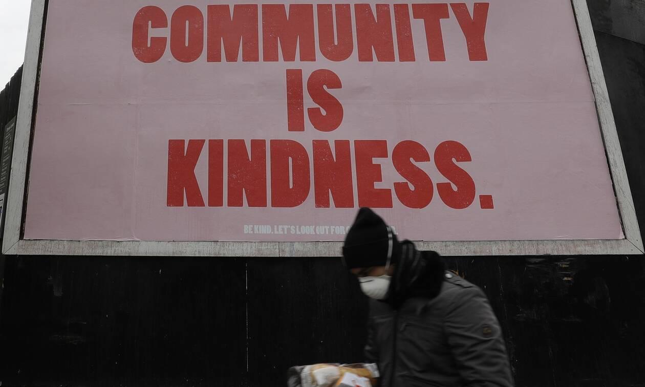 Κορονοϊός Βρετανία: Εφιαλτικό σενάριο για 50.000 θανάτους