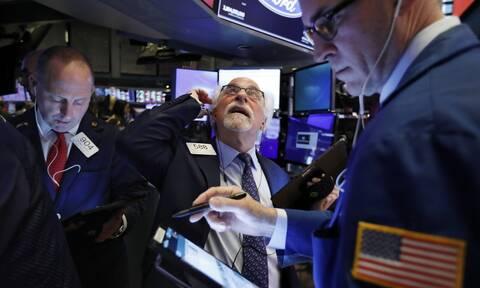 Ο Τραμπ έσωσε τη συνεδρίαση στη Wall Street - Ιστορική άνοδος για το πετρέλαιο