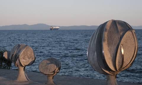 Κορονοϊός – Απαγόρευση κυκλοφορίας: Οριστικό! Κλείνουν οι παραλίες Πάτρας και Βόλου