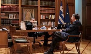 Κορονοϊός: Μητσοτάκης και Τσιόδρας σχεδιάζουν τα επόμενα βήματα για την «καταπολέμηση» του ιού