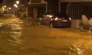 Κακοκαιρία: Δύσκολη νύχτα στη Σκιάθο - Προβλήματα από την έντονη βροχόπτωση