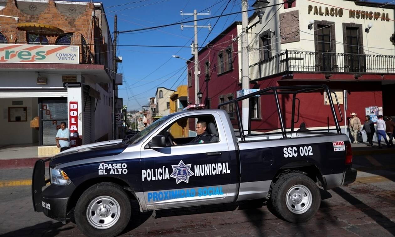 Λουτρό αίματος στο Μεξικό: 19 νεκροί σε ανταλλαγή πυροβολισμών μεταξύ φερόμενων μελών καρτέλ