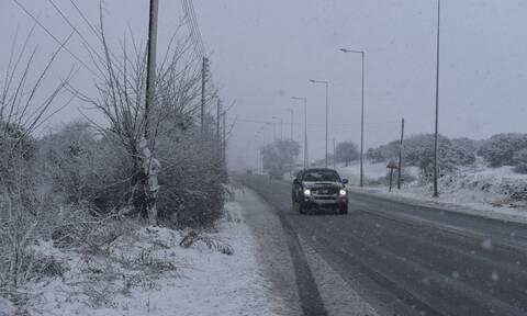 Κακοκαιρία: Χιονόπτωση σε Ευρυτανία και Δυτική Φθιώτιδα – Πού εντοπίζονται προβλήματα
