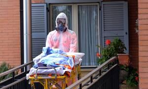 Κορονοϊός: Σοκάρει Έλληνας ασθενής - Ο ιός είναι σαν όπλο που μπαίνει στο σώμα και σε σκοτώνει