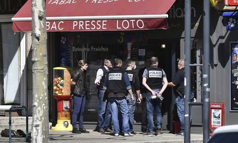 Γαλλία: Τρεις συλλήψεις για την τρομοκρατική επίθεση με μαχαίρι