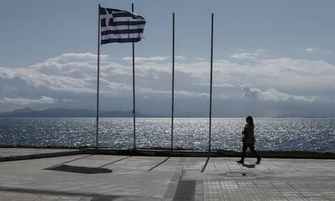 Κορονοϊός - Times: «Οι συνήθως απείθαρχοι Έλληνες είναι νηφάλιοι και χωρίς πανικό»