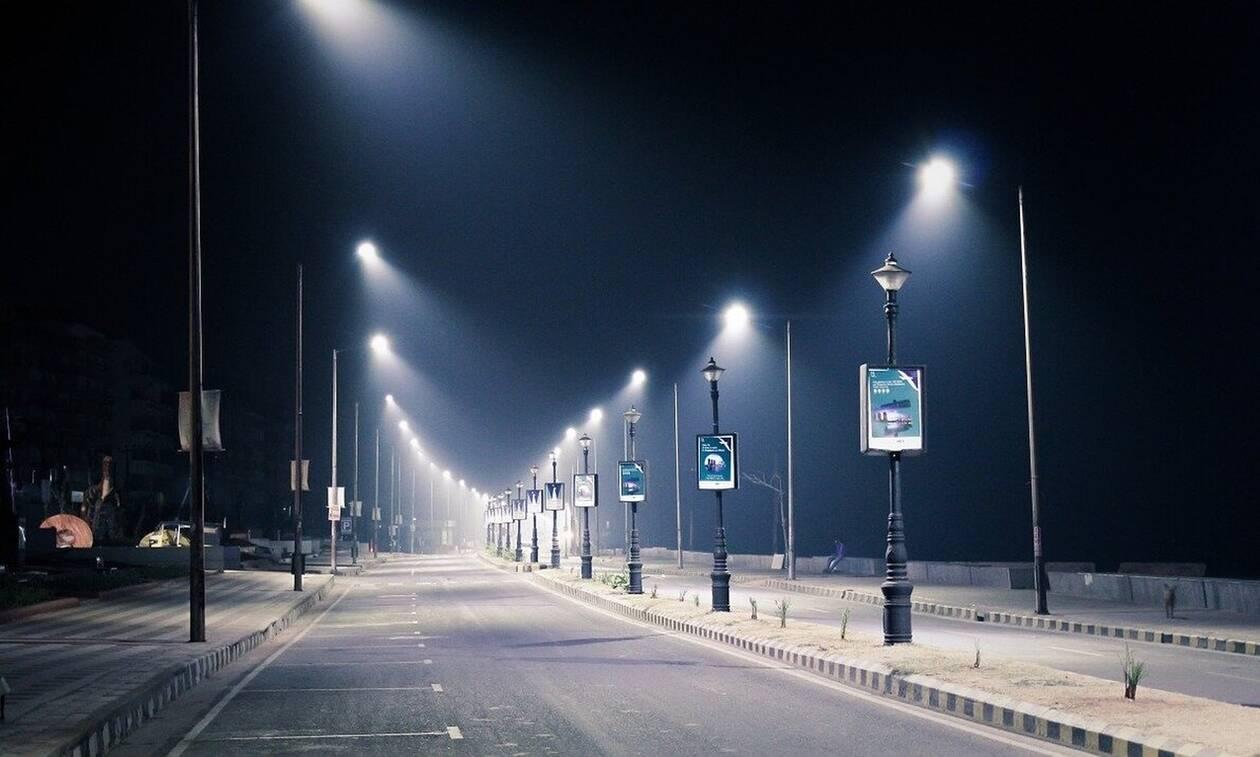 Ανατριχίλα: Δείτε τι εμφανίστηκε στους δρόμους πόλης σε καραντίνα (pics)