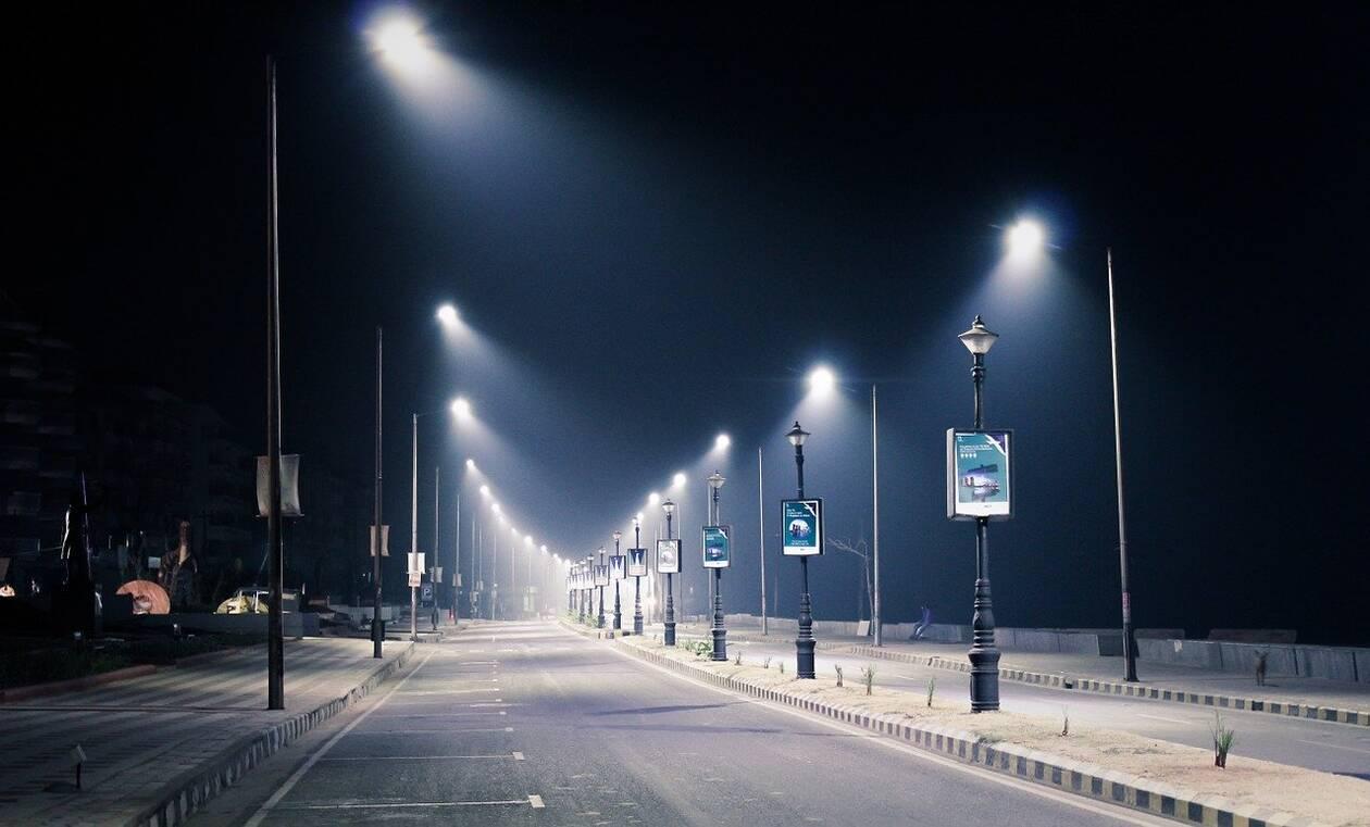 streetlight-1388418_1280.jpg