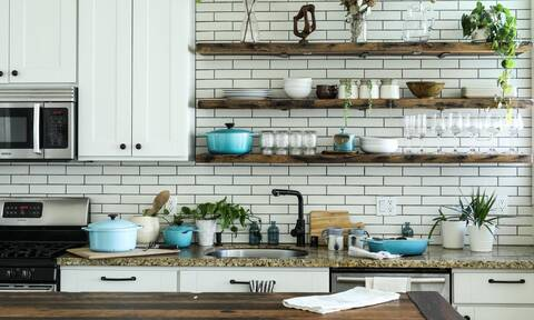 Έτσι θα τακτοποιήσεις την κουζίνα σου μέσα σε λίγα λεπτά