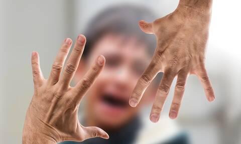 Κορονοϊός: Τι πρέπει να κάνω σε περίπτωση ενδοοικογενειακής βίας;