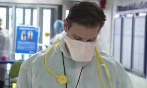 «Εμπόλεμη ζώνη»: Δραματικές εικόνες μέσα από νοσοκομείο της Νέας Υόρκης