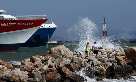 Κακοκαιρία: Δεμένα και σήμερα πλοία σε λιμάνια - Πού ισχύει απαγορευτικό απόπλου