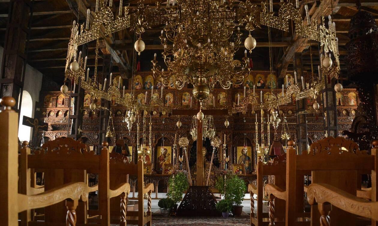 Κορονοϊός: Το ΣτΕ απέρριψε αίτημα να «παγώσει» η απαγόρευση για τις λειτουργίες στις εκκλησίες