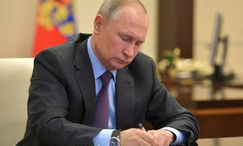 Путин направил телеграмму госпитализированному с коронавирусом Джонсону