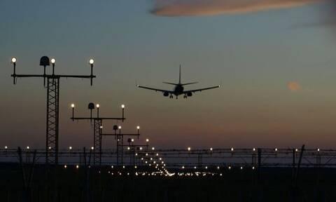 Κορονοϊός: «Λουκέτο» σε κορυφαία αεροπορική εταιρεία - Τι θα γίνει με τα εισιτήρια