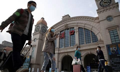 Κορονοϊός Κίνα: Καραντίνα τέλος για την Ουχάν - Δείτε πώς το... γιόρτασαν (pics)