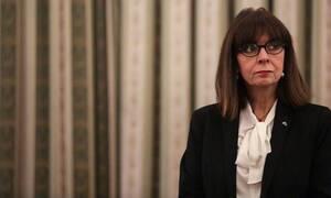 Κορονοϊός - Μήνυμα Σακελλαροπούλου: «Μένουμε Σπίτι, αλλά δεν Μένουμε Σιωπηλές» (vid)