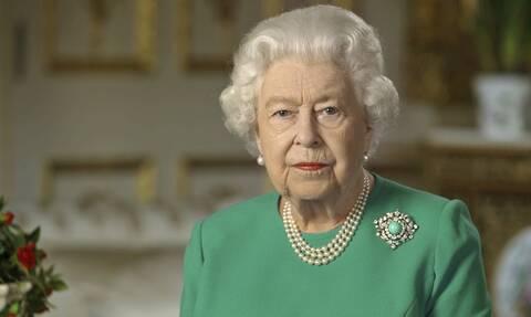 Κορονοϊός: To «κόλπο» της βασίλισσας Ελισάβετ στο τηλεοπτικό της μήνυμα που δεν κατάλαβε κανείς!