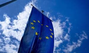 Κορονοϊός: Η Κομισιόν ενέκρινε το ελληνικό σχέδιο για την επιστρεπτέα προκαταβολή ύψους 1 δισ. ευρώ
