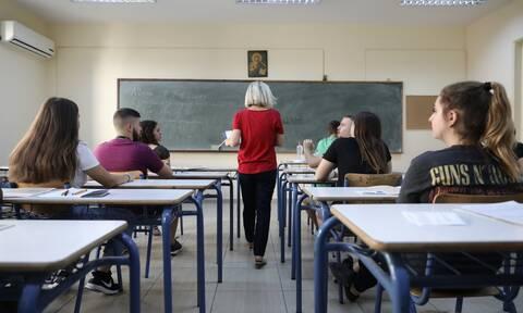 Πανελλήνιες 2020: Ανατροπή! Εξετάσεις με ύλη Μαρτίου - Το σχέδιο του υπουργείου Παιδείας