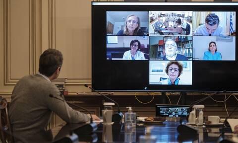 Κορονοϊός: Τηλεδιάσκεψη Μητσοτάκη με γιατρούς Μονάδων Εντατικής Θεραπείας
