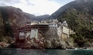 Κακοκαιρία- Άγιο Όρος: Εικόνες βιβλικής καταστροφής–Δρόμοι κόπηκαν στα δύο, αποκλείστηκαν μοναστήρια