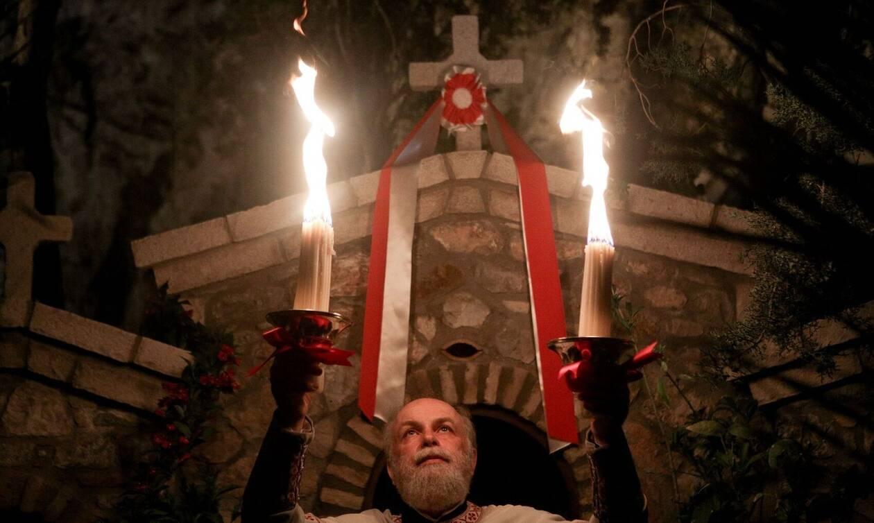 Πάσχα: Ποιοι φοβούνται τα ανοικτά μεγάφωνα στην Θεία Λειτουργία;