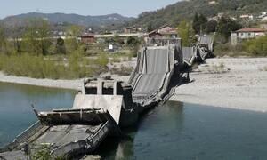 Συναγερμός στην Ιταλία: Κατέρρευσε γέφυρα - Τραυματίστηκαν οδηγοί (pics+vid)