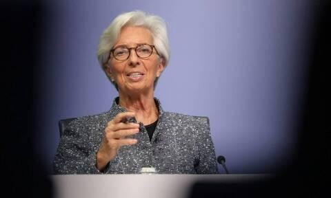 Μετά το «ναυάγιο» στο Eurogroup η ΕΚΤ σαν «από μηχανής θεός» ανεβάζει τον πήχη στο €1,5 τρισ. ευρώ