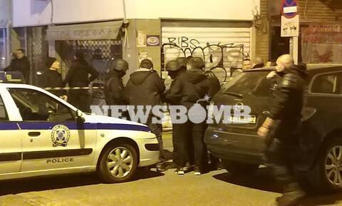 Συναγερμός στο κέντρο της Αθήνας: Άνδρας άνοιξε πυρ και ταμπουρώθηκε στο διαμέρισμά του