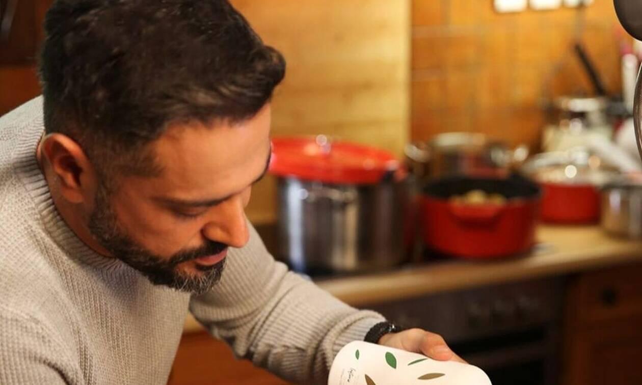 Μας πρόλαβε ο Σουλτάτος! Μόλις μας έδωσε συνταγή για Πασχαλινά κουλουράκια (Photos)