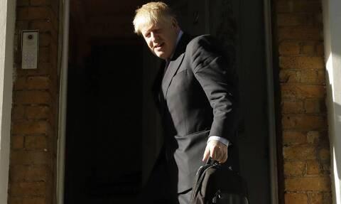 Κορονοϊός - Μπόρις Τζόνσον: Διέγραψαν Δήμαρχο που είπε «του άξιζε που μπήκε στην εντατική»
